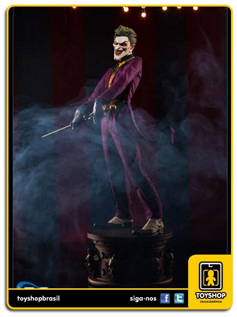 DC Comics: The Joker Premium Format  - Sideshow Collectibles